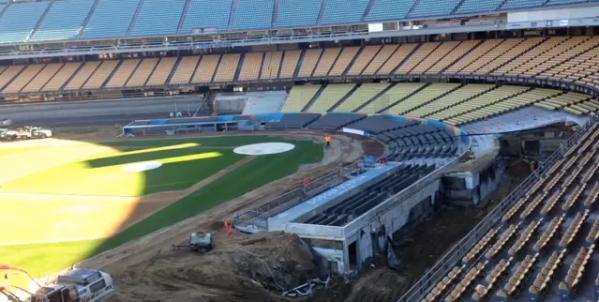 Dodger Stadium byggs om